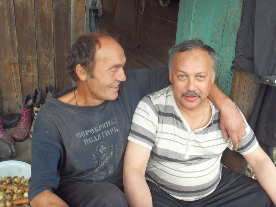На даче Николая Колычева. Поэты Н. Колычев и Н. Васильев