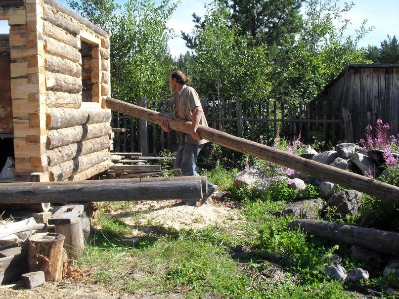 Поэт Николай Колычев на даче, Строительство бани